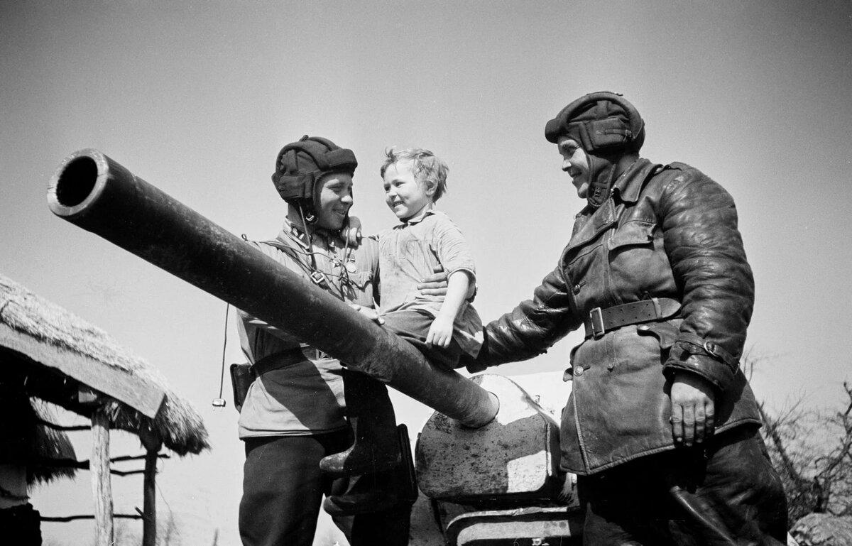 Картинка танкиста великой отечественной
