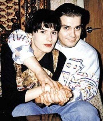 До встречи с Маратом Лиза была замужем за актером и поэтом Жоржем Румянцевым
