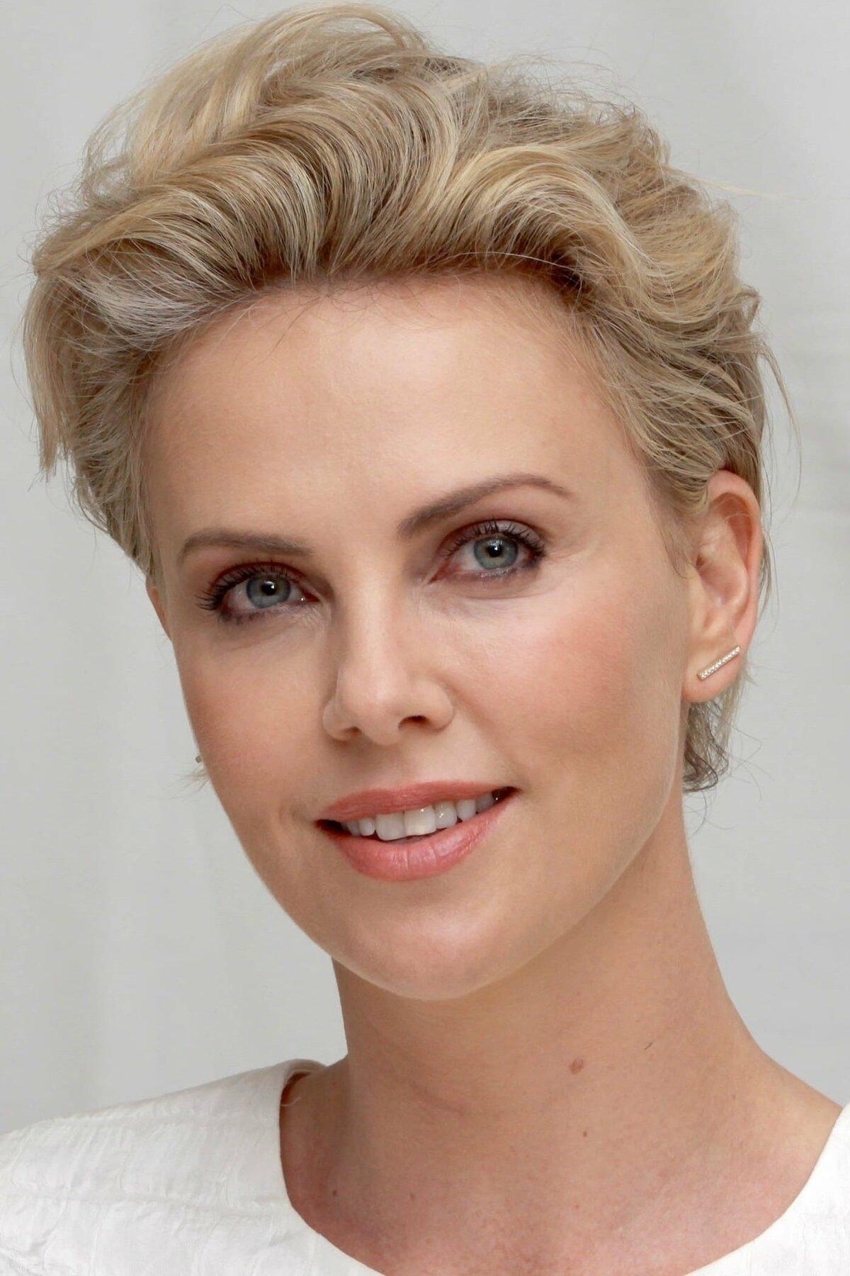 Актриса шарлиз терон фото