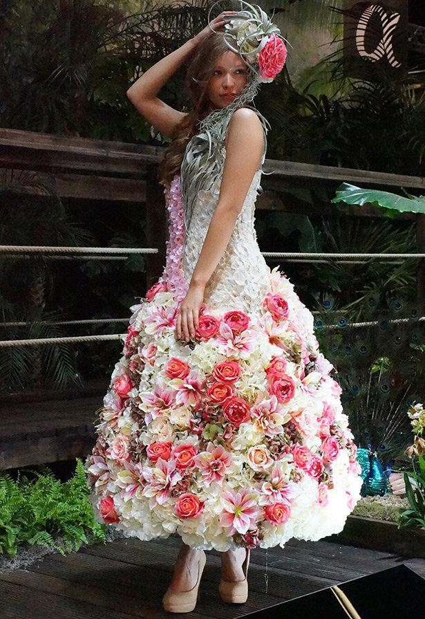 Картинки свадебное платье из цветов, прощенному воскресению открытки
