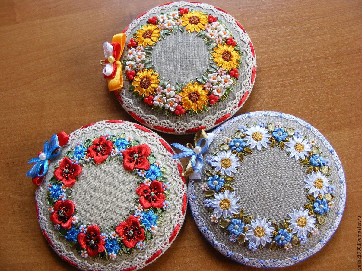 игольница фото из лент и диска текстильных
