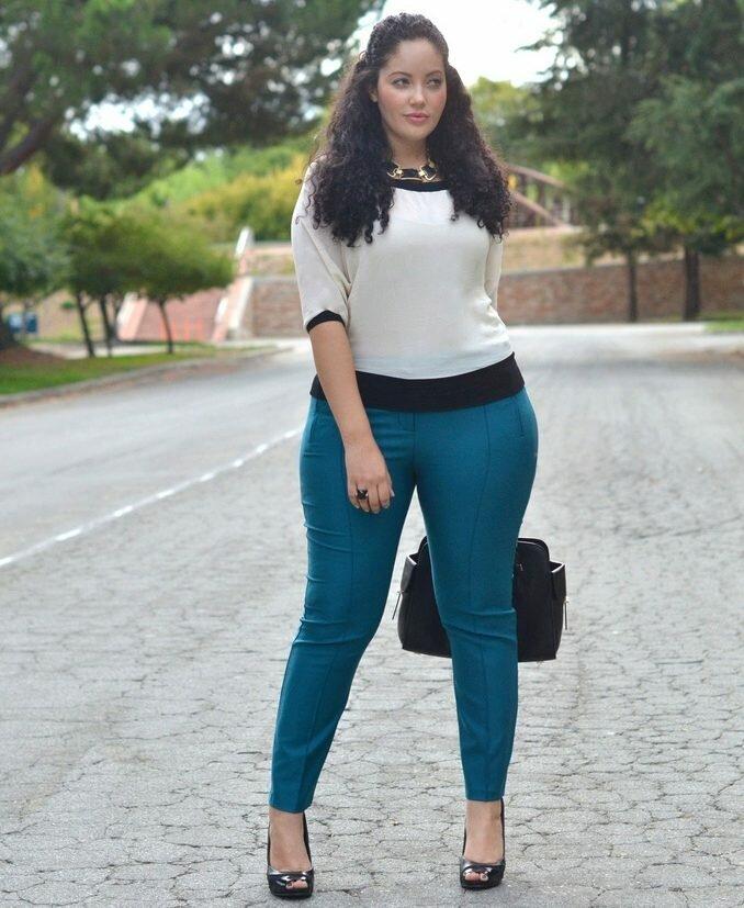 как девушки в джинсах с большими формами сайт