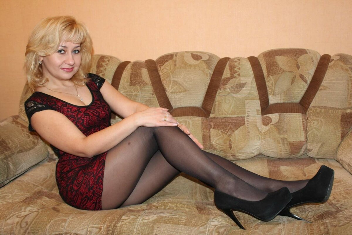 zrelaya-russkaya-dama-video-anus