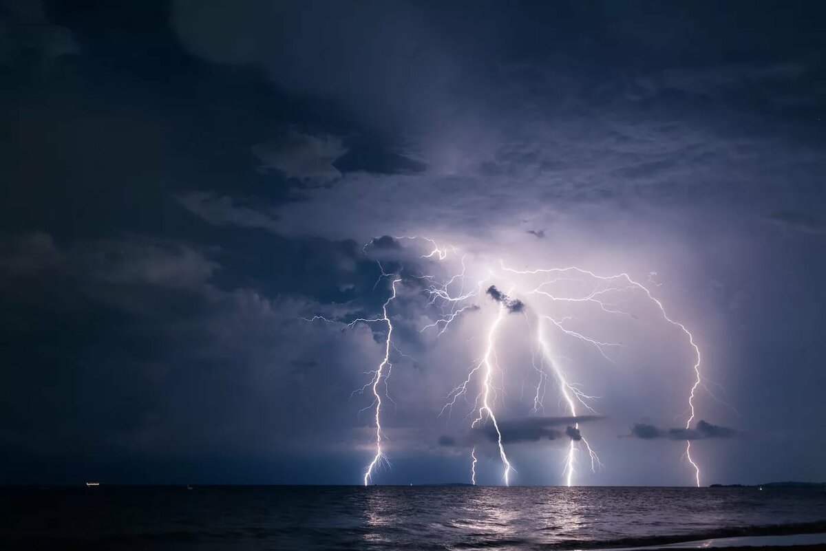 картинки плохая погода в море театром кингсли гастролировал