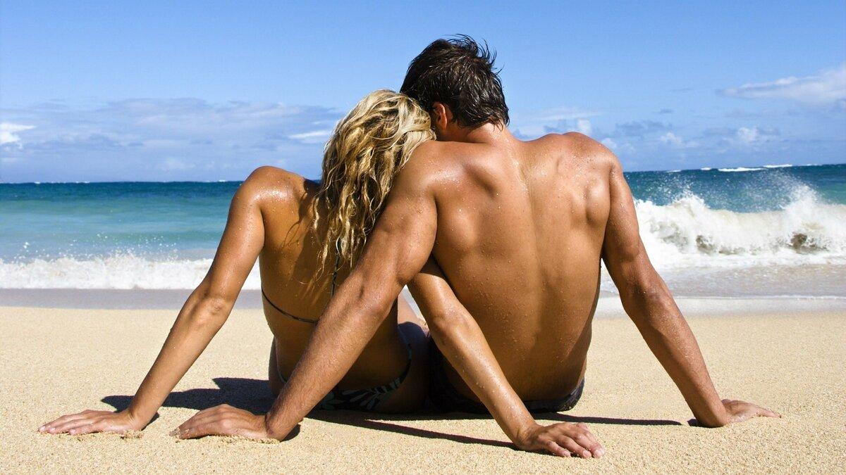 Секс на пляже пары
