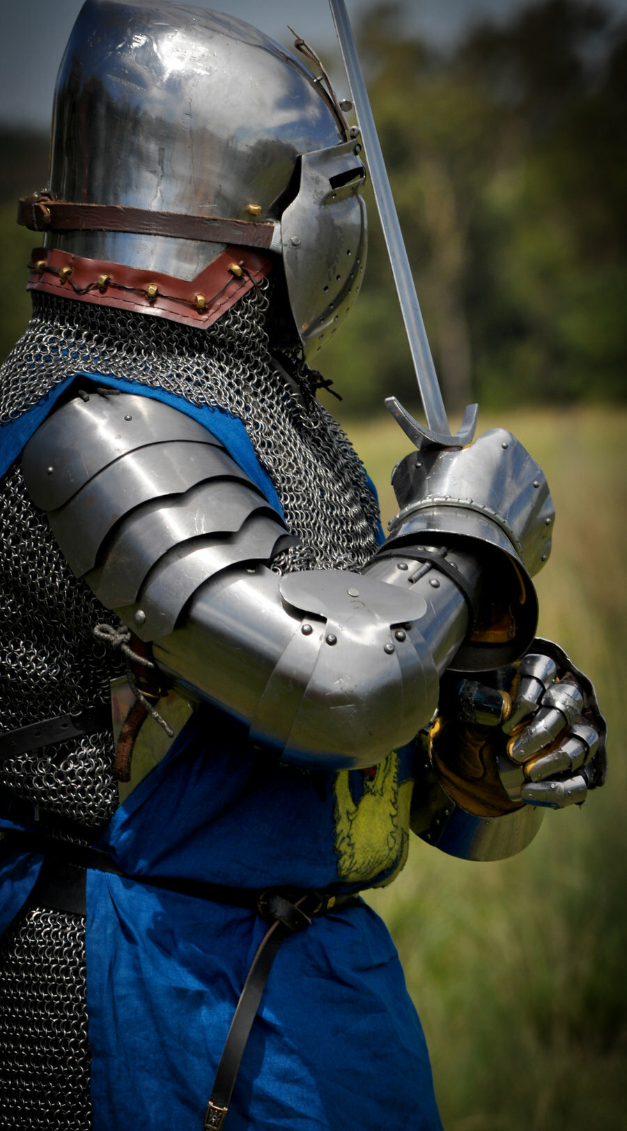 Картинки рыцари средневековья в доспехах, открытка