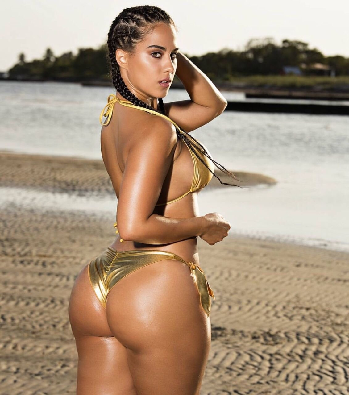 Meet the nollywood actress with the biggest butt