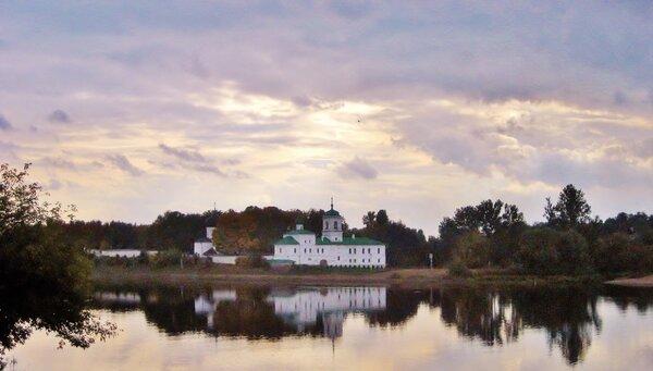 Мирожский монастырь во Пскове