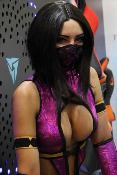 Mortal Combat Cosplay Celebrity Slips 1