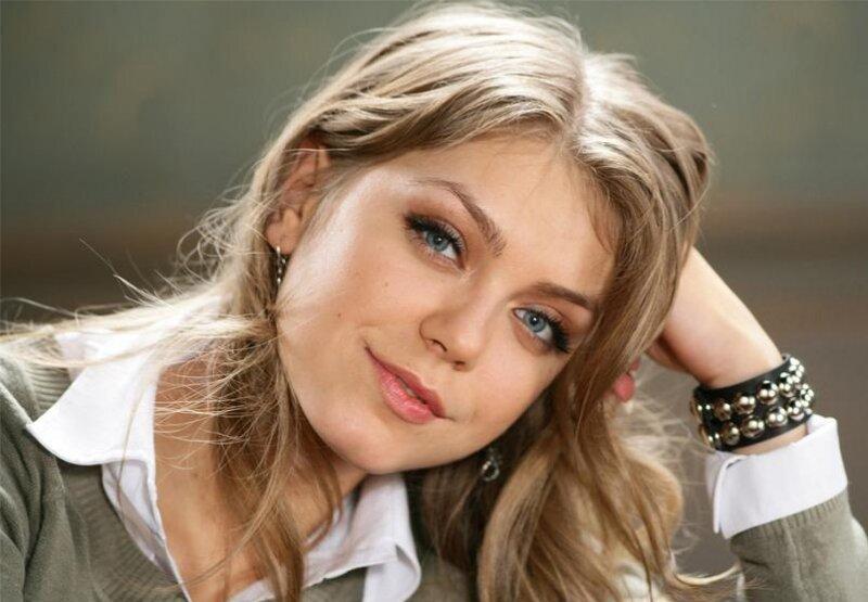 Смотреть клипы российских поп певцов