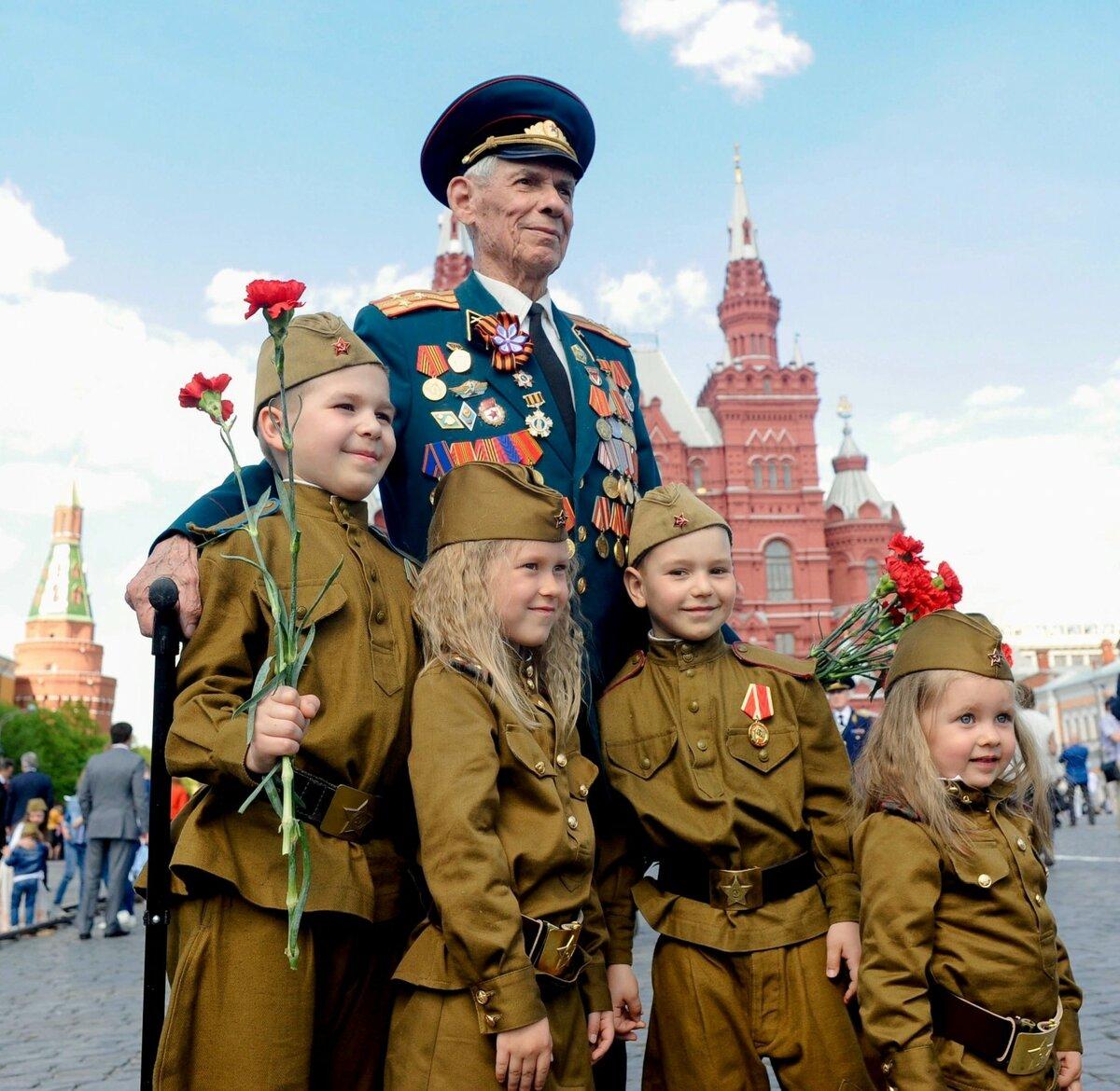 цветки фото с днем победы с детьми прощание