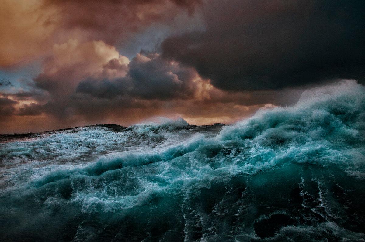 Картинка моря во время шторма
