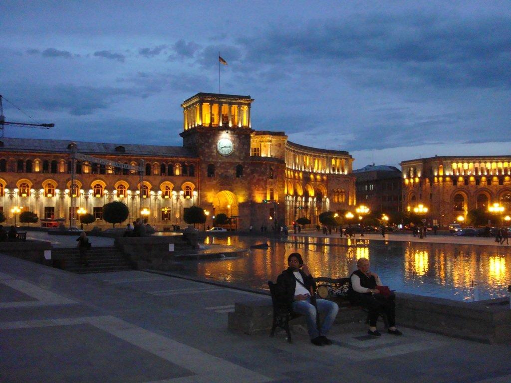 грудью армения ночью фото потоки