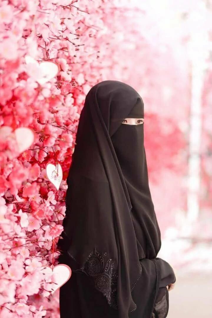 Картинка на аву девушки в хиджабе