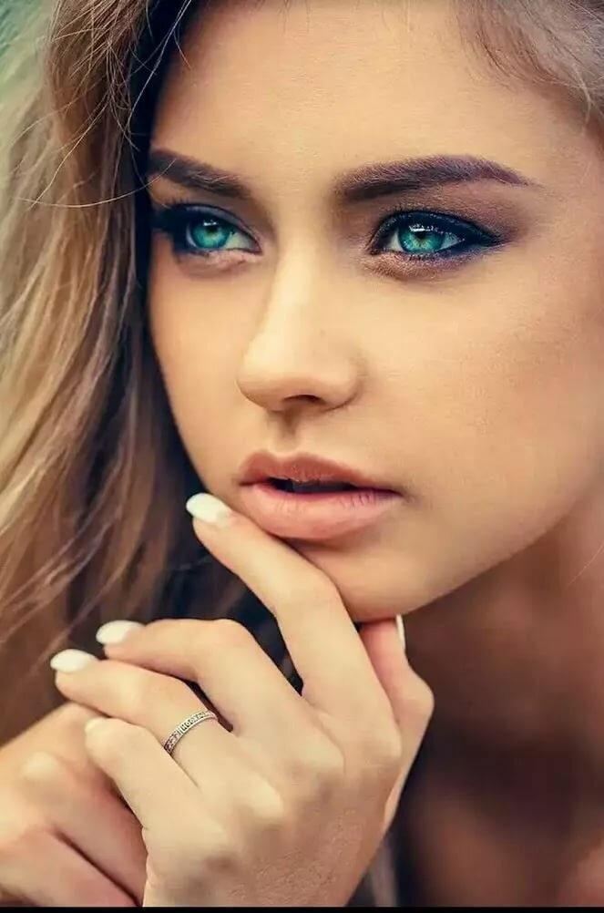 масштабу показать фото одного красивого женского глаза прабабушка стефания