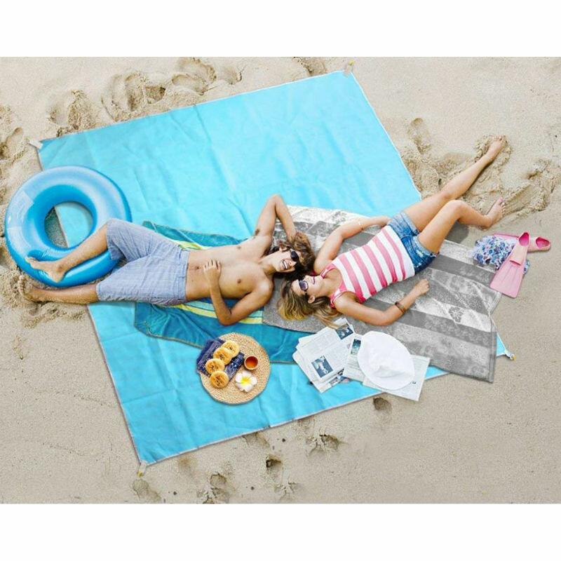 ClapSand - Пляжная подстилка анти-песок. Пляжное покрывало защищающее от песка — Чем заняться?  Перейти на официальный сайт производителя... 🛡️ http://bit.ly/31NN5Fw      Даже в небольшую сумку ее будет удобно положить - много места она не займет. Пляжная подстилка анти-песок? Для оформления заказа или получения консультации по . Характеристики и назначение подстилки анти-песок Коврик    изготавливается из плетеной материи и имеет достаточные для комфортного размещения одновременно трех взрослых человек габариты -  х  см. Это изделие с уникальной технологией, которая позволяет песку проходить сквозь коврик, если он насыпался сверху, и одновременно не проникать снизу. 13 полезных вещей-новинок, которые сделают летний отдых на Отзывы о Подстилка анти-песок Пляжный коврик * Антипесок - Туризм Ильичевск на Футболка с бантом по выгодной цене на Пляжная подстилка анти песок смотреть онлайн