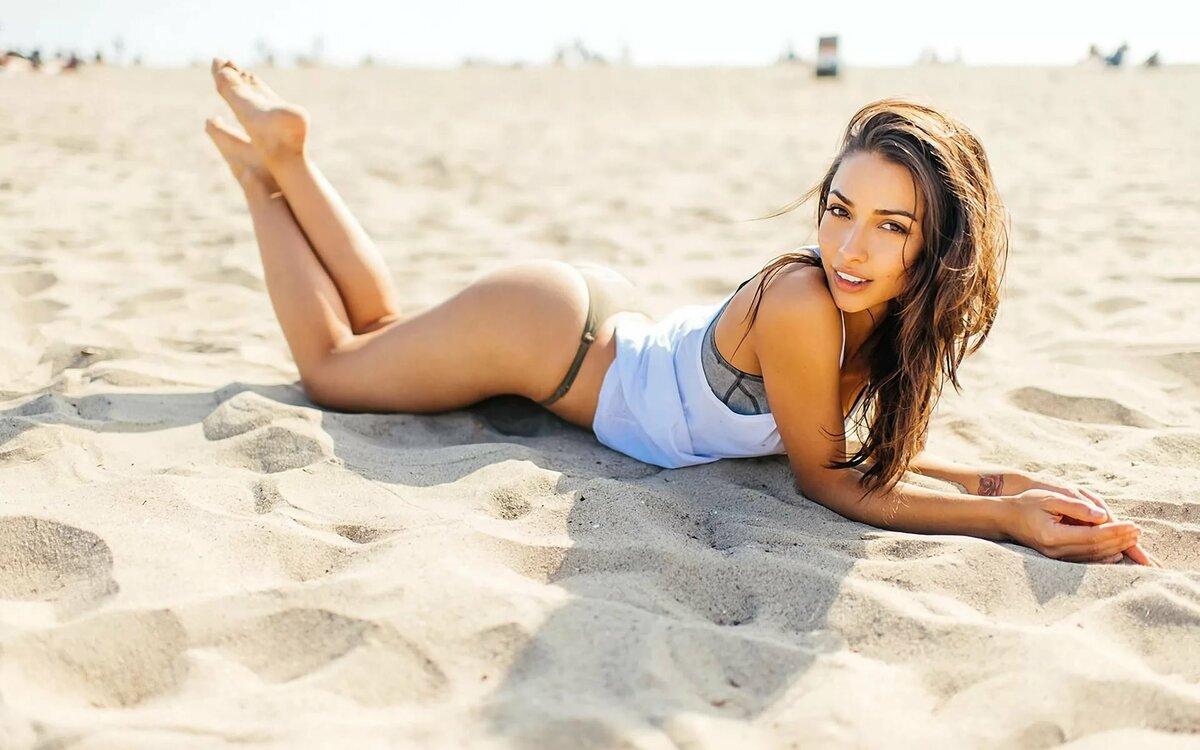 Картинки на телефон с девушками красивыми для девочек на пляже