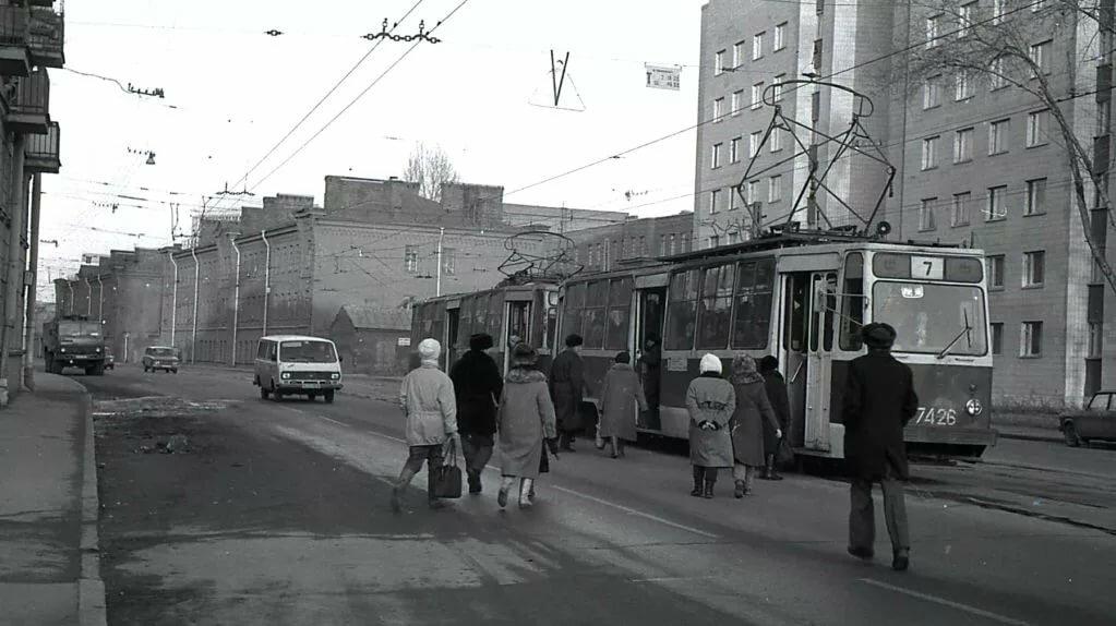 январе метро красногвардейская в ленинграде фото можно окна