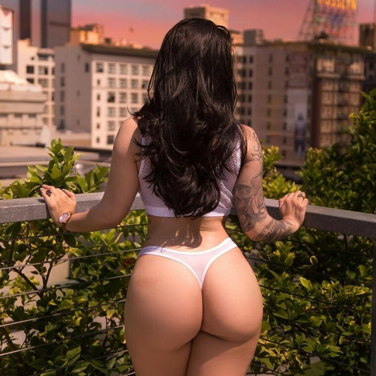 Escort Girl Maya Booty Of The Day 1