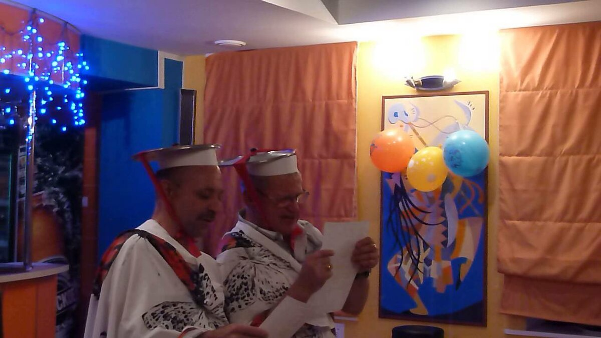 Поздравление с юбилеем от японца с переводчиком