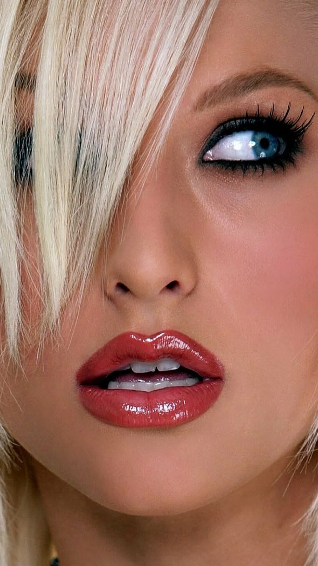 facial-lip-naked
