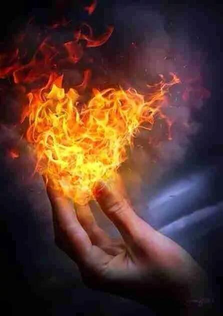 Огонь в руке гифка