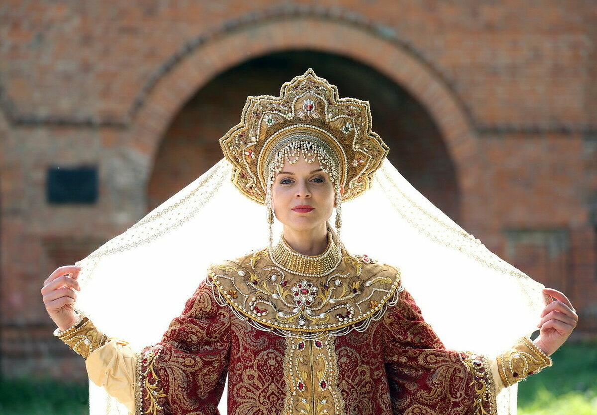 тумбы фото царей и цариц русских модель способна