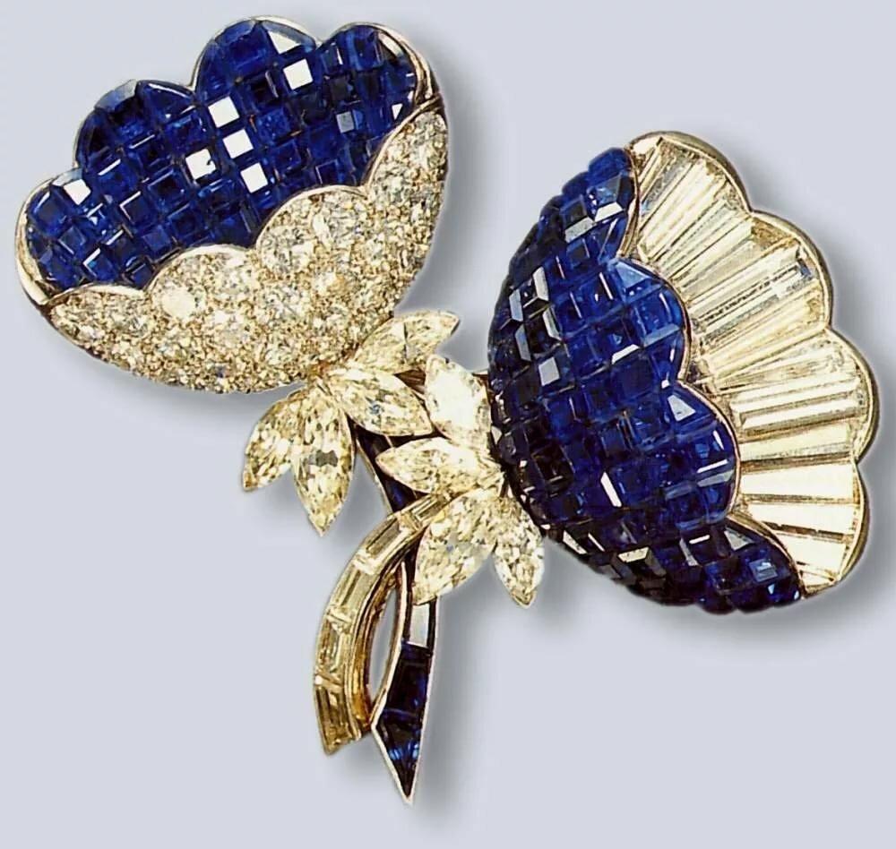 Букеты из золота и драгоценных камней