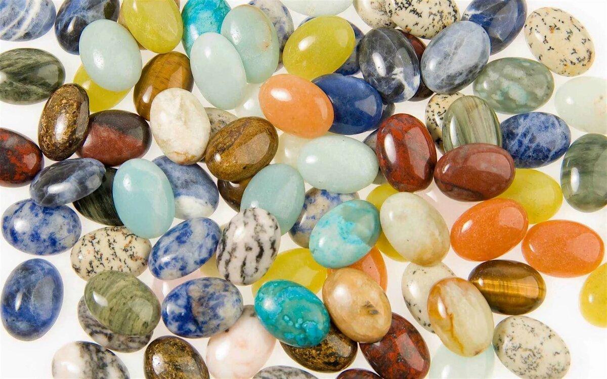 драгоценные натуральные камни фото кроется том