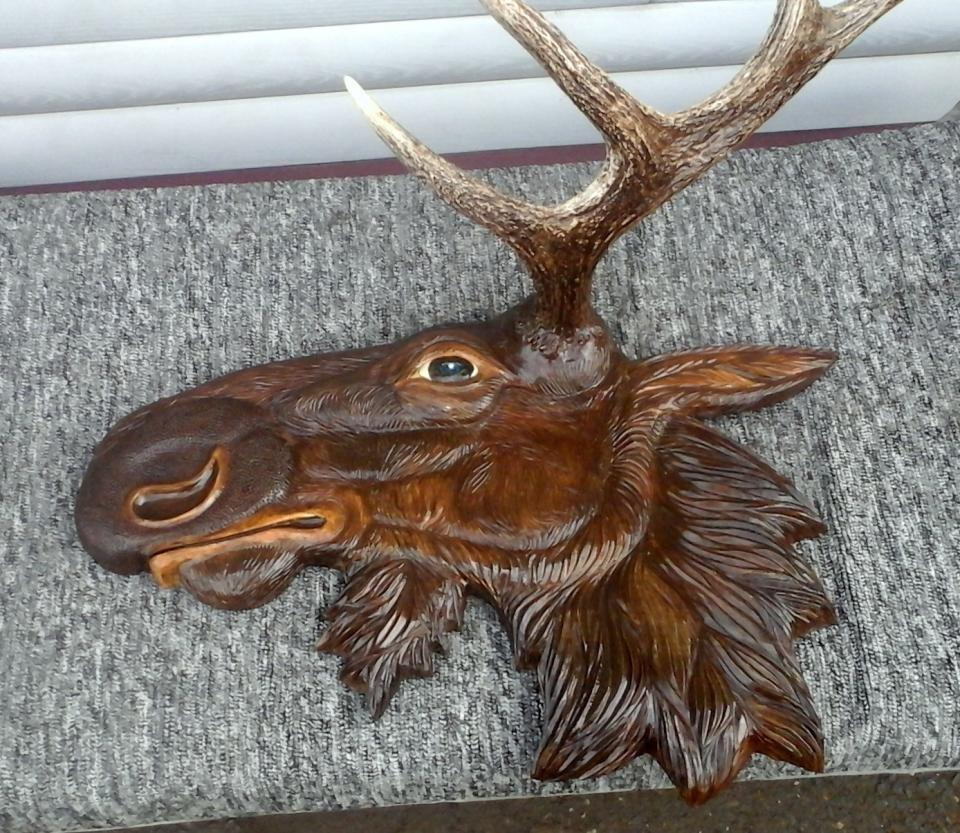 резьба по дереву картинки животных оленя про него пишешь