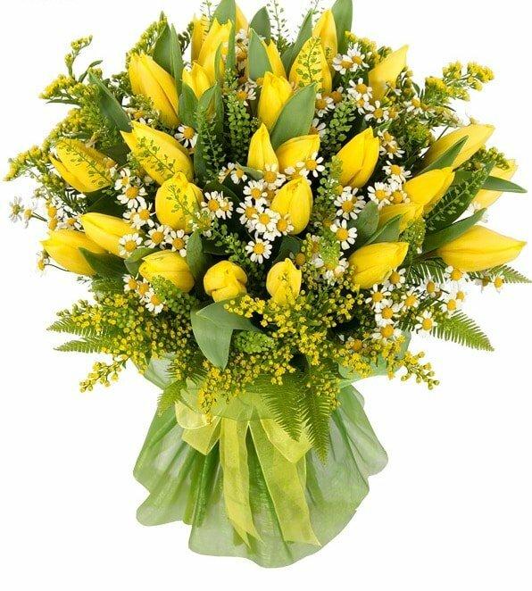 Праздничные цветы на 8 марта желтая ветка