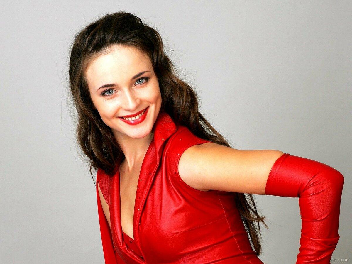 russkoe-foto-na-desktop-rossiyskih-aktris-golie