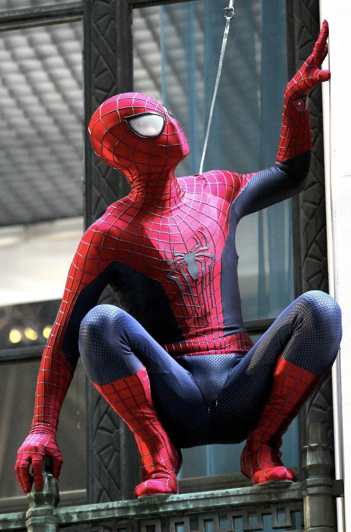 много фото человека паука противники объединились против