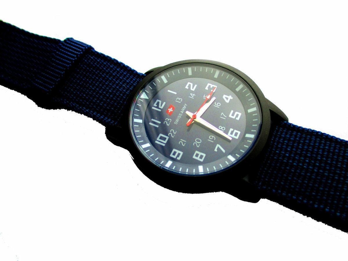 Наручные часы Swiss Army оптом в Новосибирске