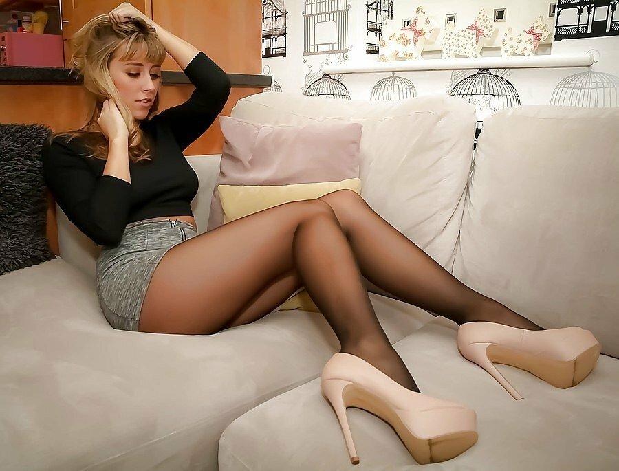Ноги дам в колготках фото, какие ощущения когда в тебя входят сразу два члена