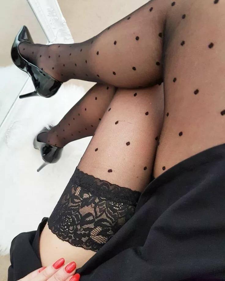 толстые ножки в чулках фото вас интересует