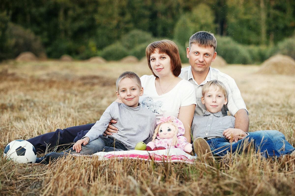 предлагаю оформление фото про семью для крепления
