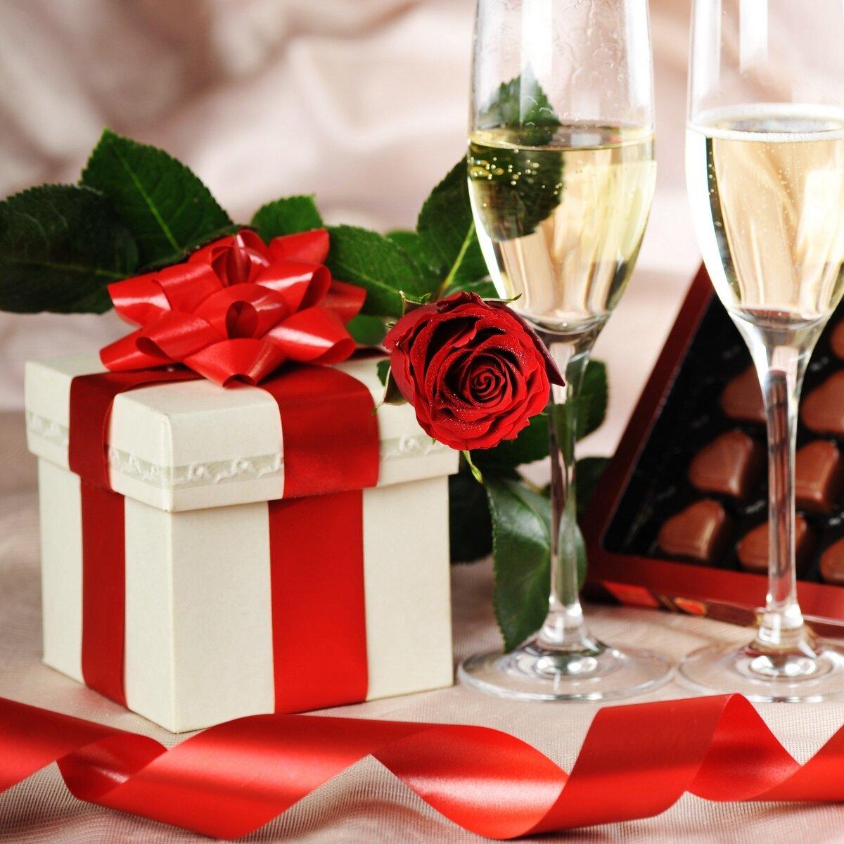 вниз картинки цветы подарки торт днём рождения