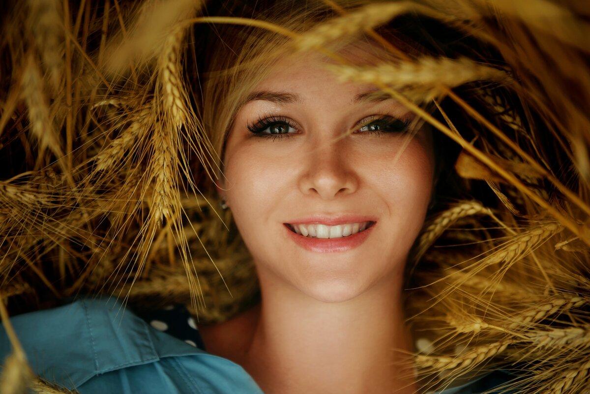 Улыбка женщины картинки