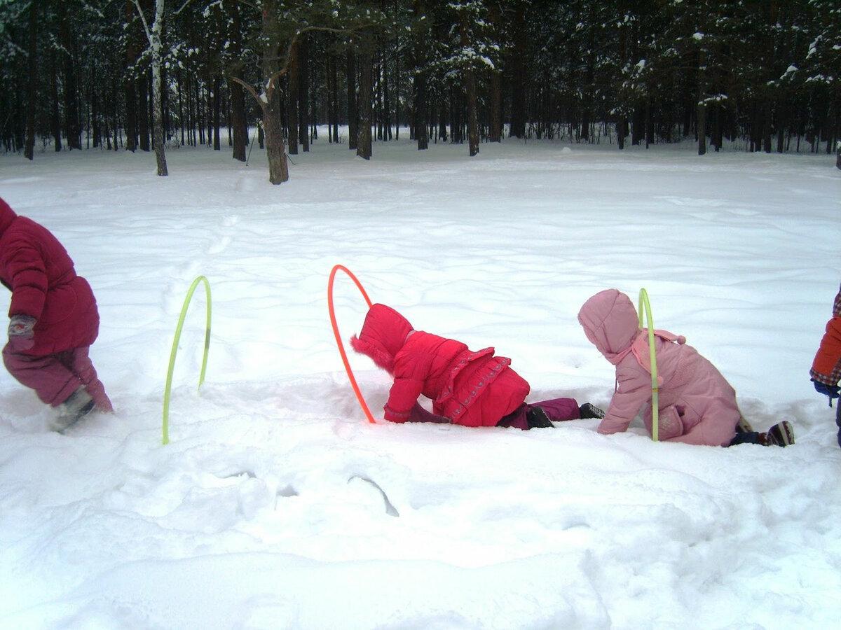 Картинки игры детей зимой на улице