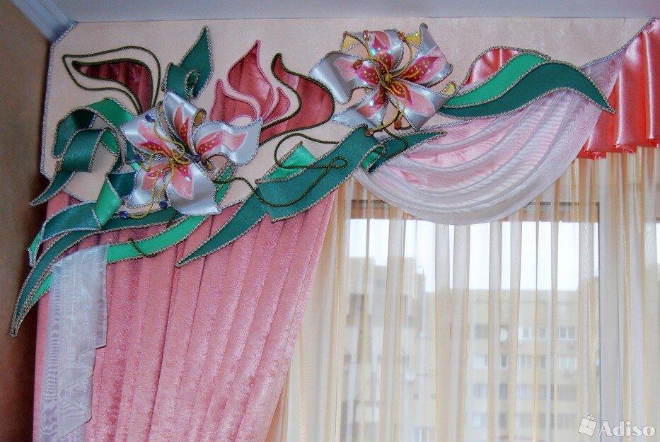 поэтому красивые фото шторы ламбрекен из цветов имеют внешней