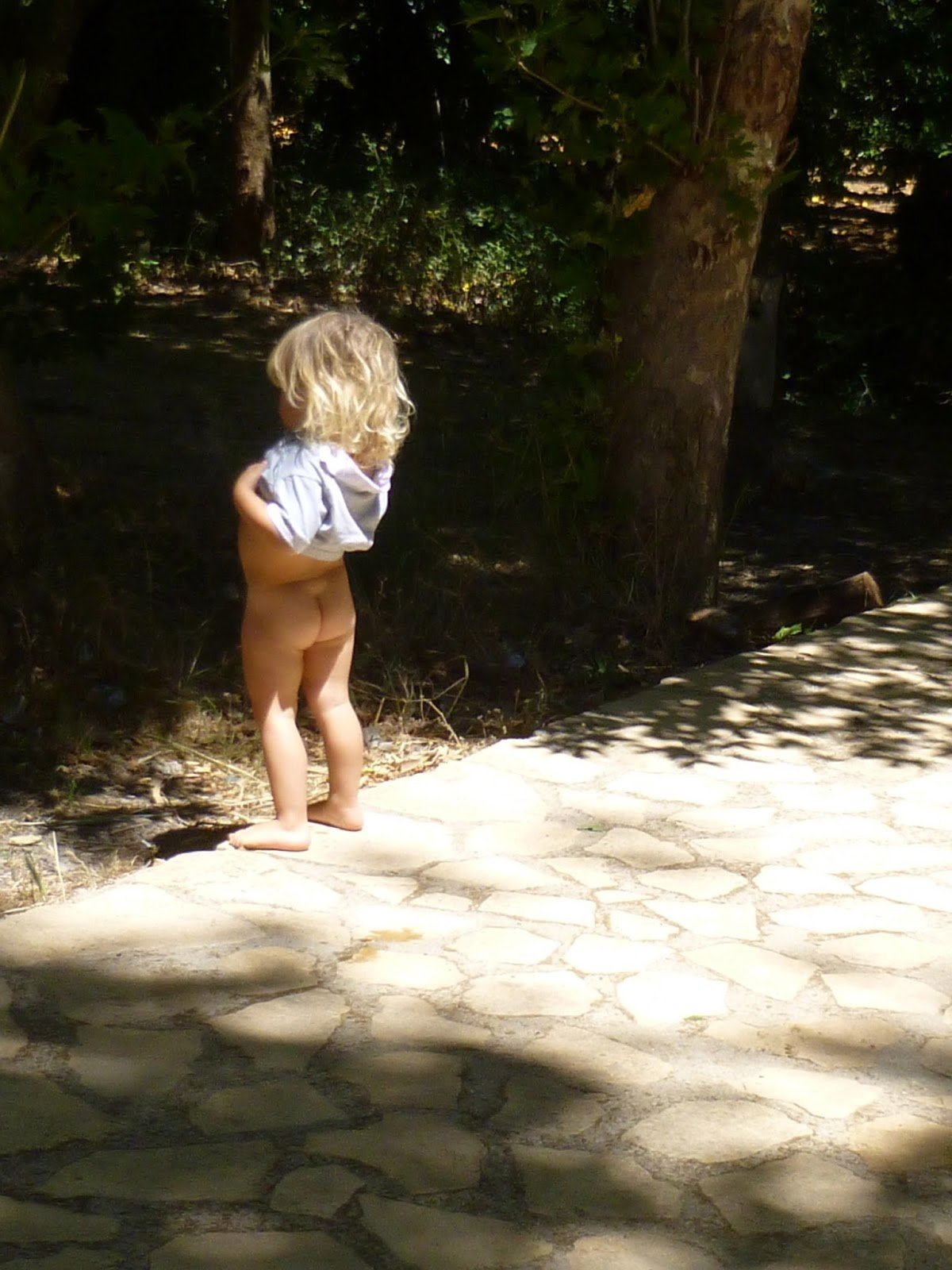 Nude cute babe girl end boys, nude mature women fucking younger boy