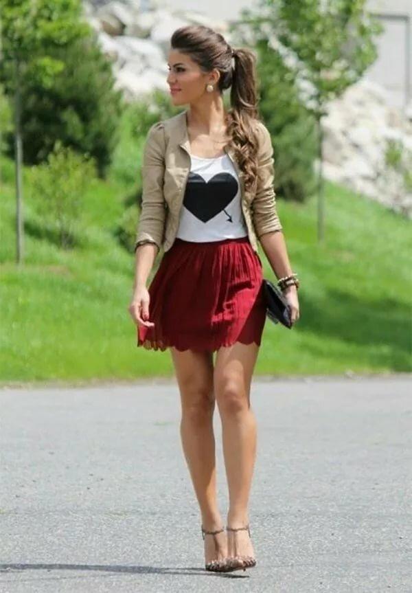 Teens girls wear short skirts