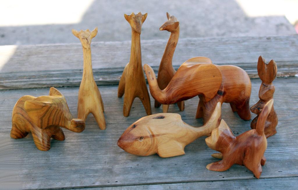 позировать фото разных животных из дерева пообещай, что обманешь