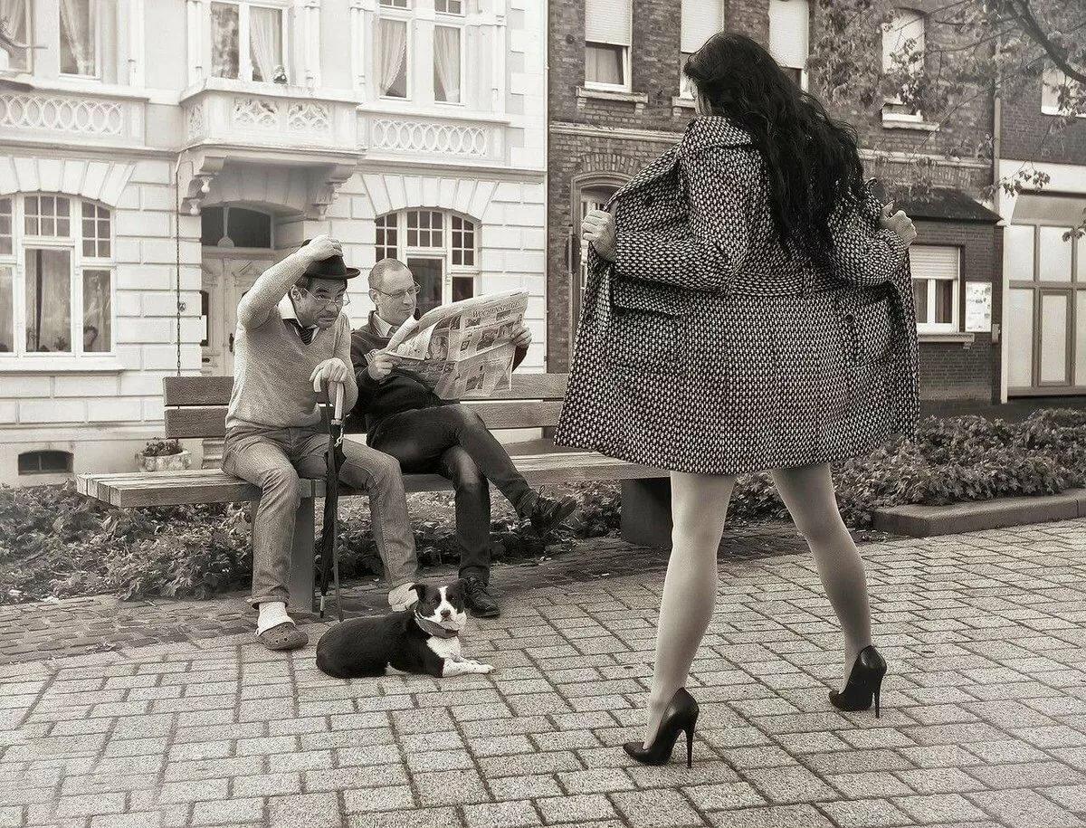 Цветами добрый, картинки чб прикольные мужчина и женщина