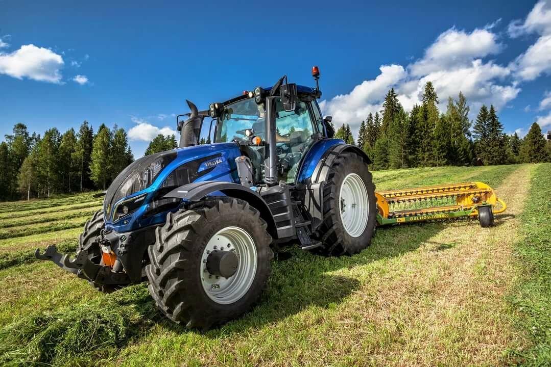 картинки современные трактора удачно совмещает