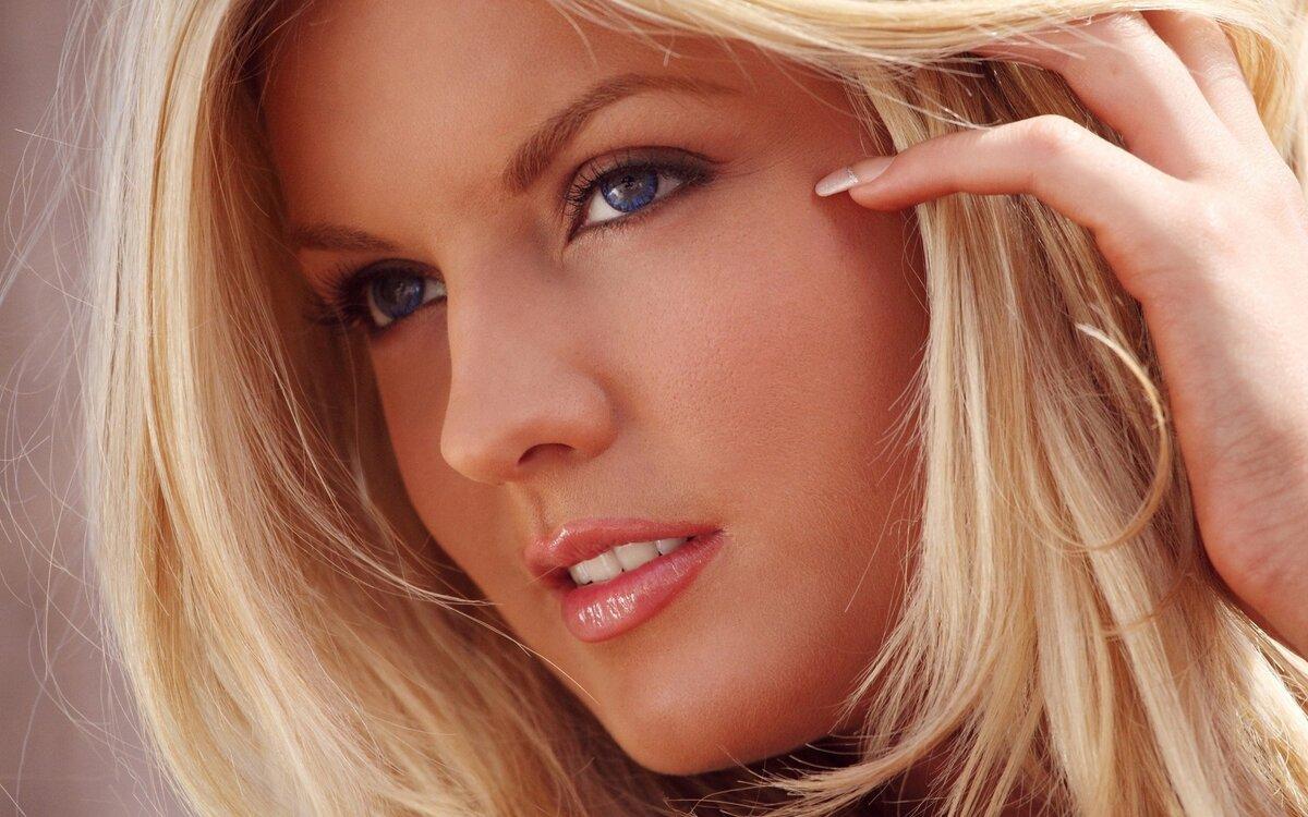 Обворожительная блондинка фото крупным планом пикаперы
