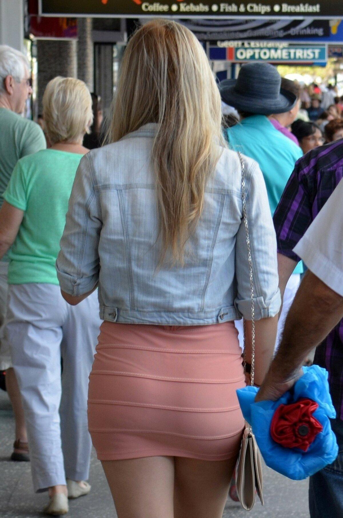 Девушки в юбках просвечивающие одном