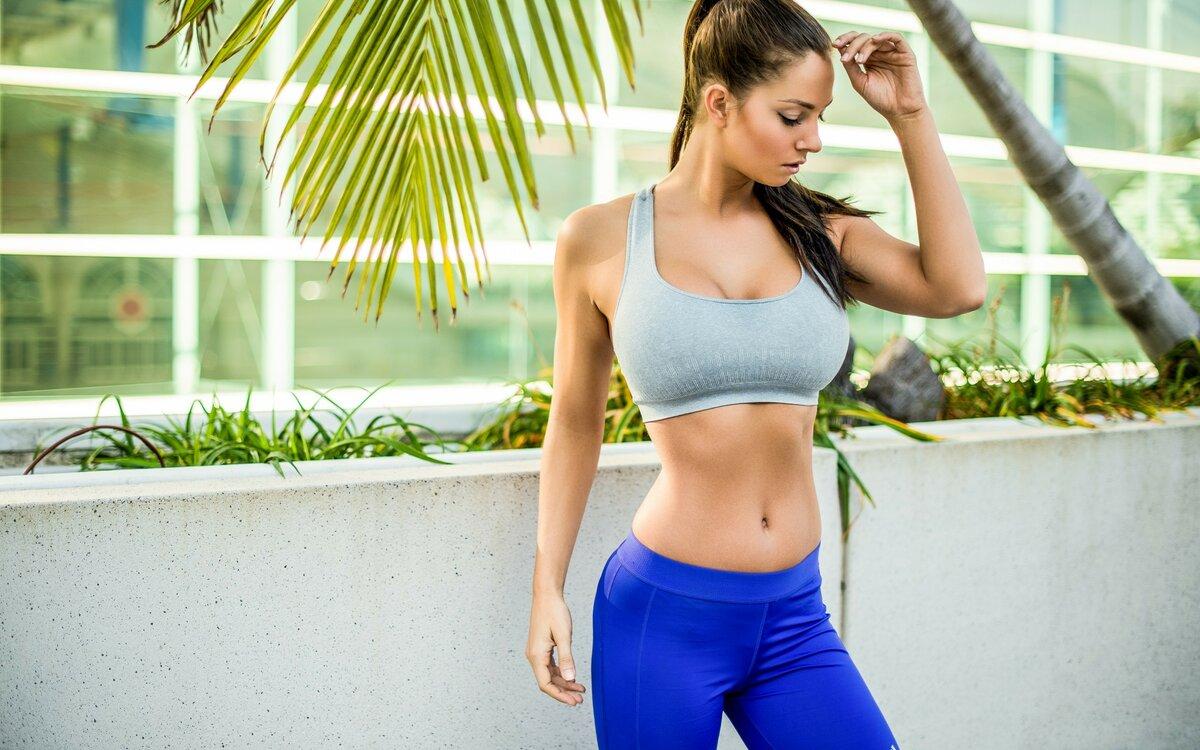 девушки с красивой спортивной фигурой онлайн показывают