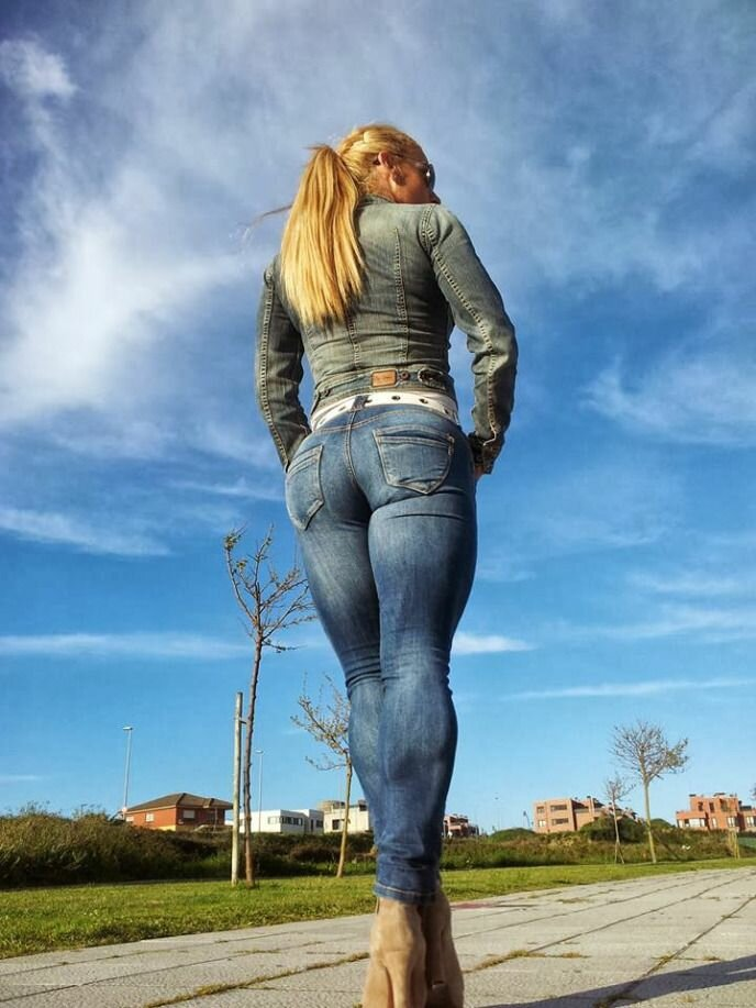 girls-in-tight-jeans-pics